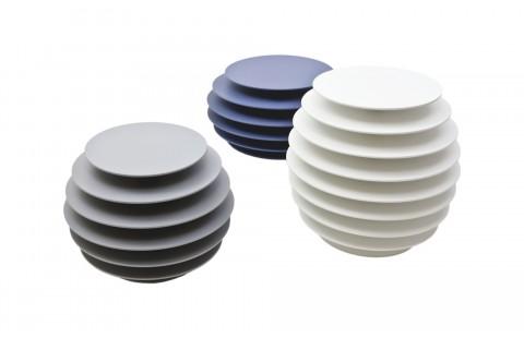 Guéridons design Ruche 9, Ruche 7 et Ruche 6 par Avril de Pastre pour Polit. Chevet design, bout de canapé laqué, made in France